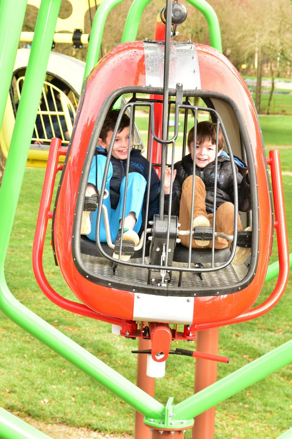 Parc Jeux Plein Air Enfants Ploemel