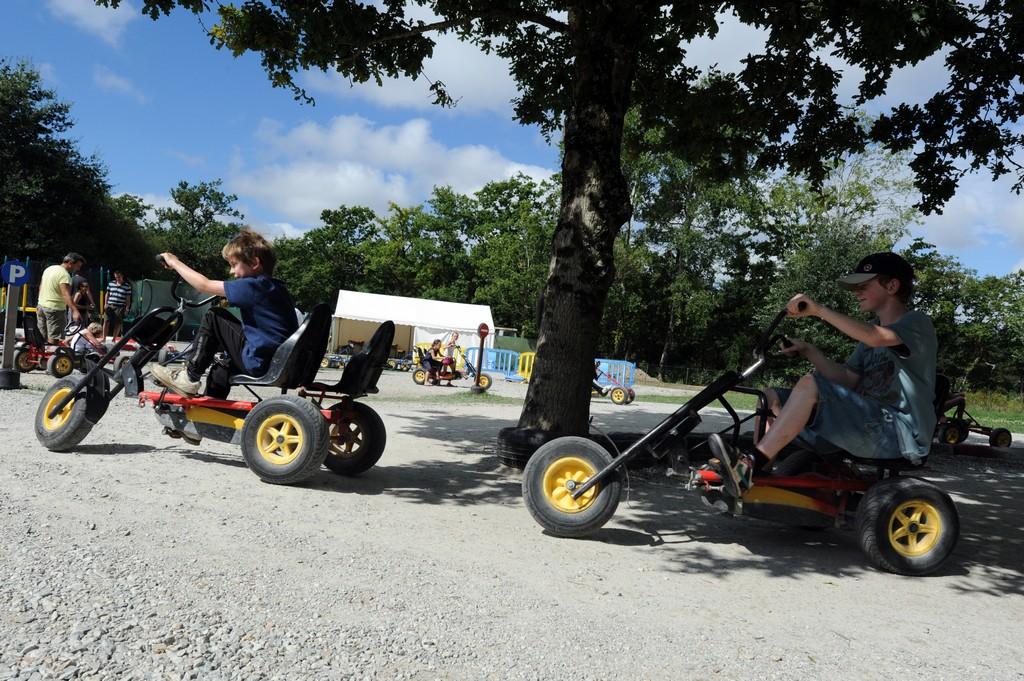 Attraction Kart à Pédale en Famille Bretagne