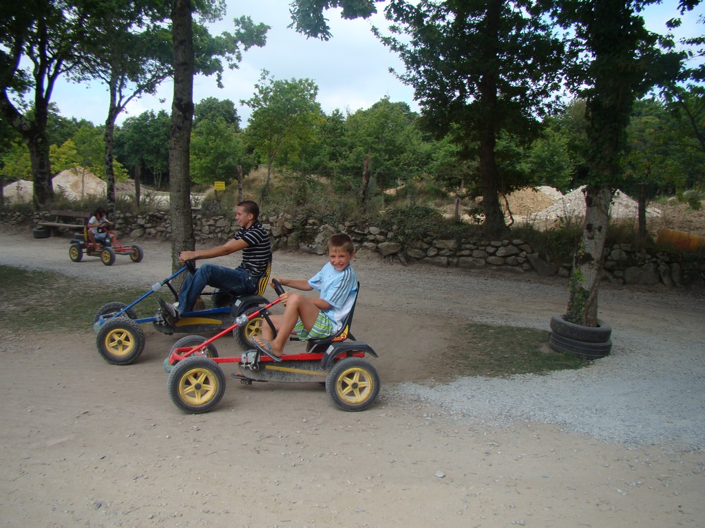 Parc de Jeux et Kart à Pédale en Famille proche Vannes