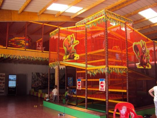 attraction-tour-à-grimper-parc-de-loisirs-le-petit-delire-ploemel